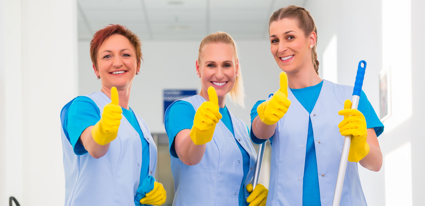cleaner-trio-thumbs-up_1440x700_web